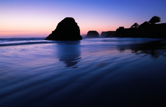 Mendocino Sunset, north of Fort Bragg (photo by Joe Parks, used courtesy of Creative Commons)