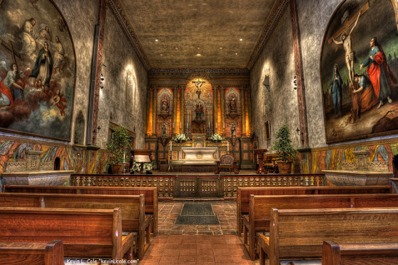 """Mission Santa Barbara, """"Queen of the Missions"""" (photo by Kevin Cole)"""