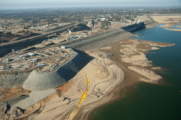 Aerial view at Folsom Lake showing low water and exposed dam, January 16, 2014 (DWR photo by Paul Hames)