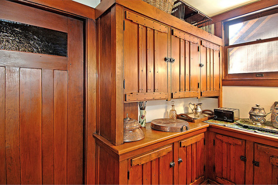 Kitchen detail from a Greene & Greene craftsman home (photo by JLT)