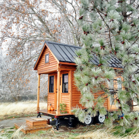 Many tiny houses are built for complete mobility, making it quick and easy to move house. (photo by Tammy Strobel of the blog Rowdy Kittens) http://www.rowdykittens.com/portfolio